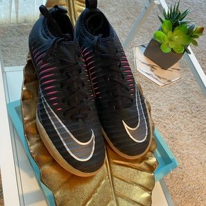 Nike- NWOT Superfly Turf Shoes